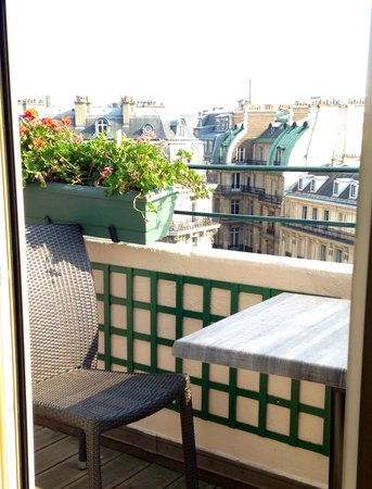 Hotel Napoleon Paris: From our room