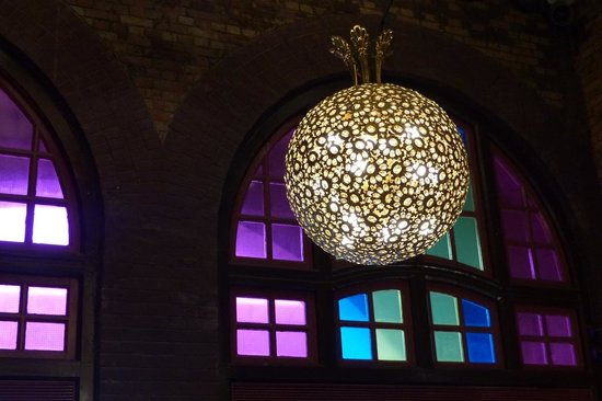Western Market : Nice chandelier and coloured glass