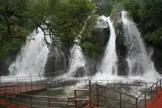 Kanyakumari, India: Courtallam Falls