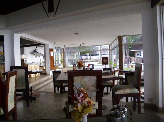 Kenya Bay Beach Hotel: sehr sauber und neu bestuhlt