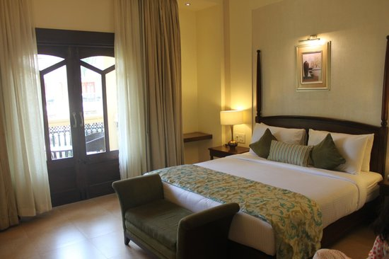 Country Inn & Suites By Carlson: Another view of the room