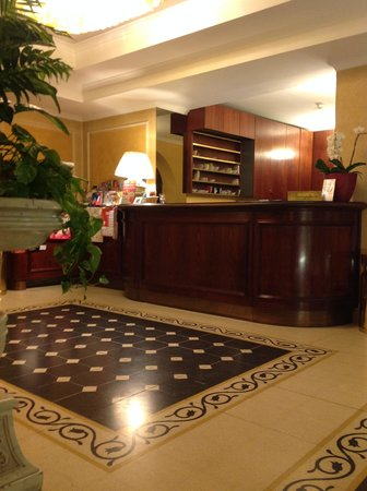 Hotel Corona D'Italia: entrata