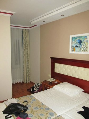 Asur Hotel: удобная кровать