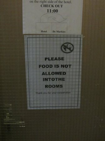 Hotel Manofa : One of many signs posted throughout the establishment