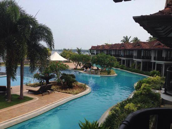 Ramada Resort Cochin : Amazing pool