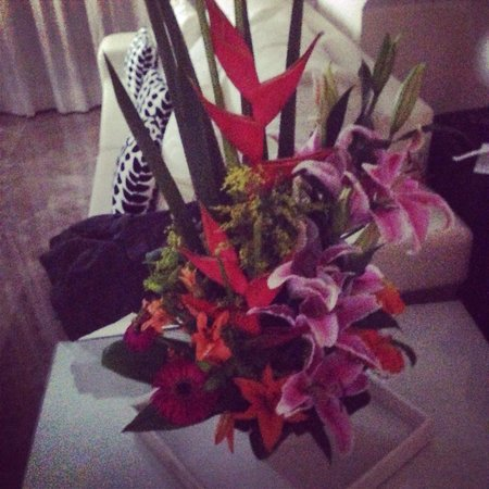 Beloved Playa Mujeres: Amazing fresh flowers from our travel agent