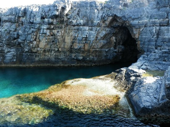 Lindian Myth Studios: Grotto close to Lindos beach