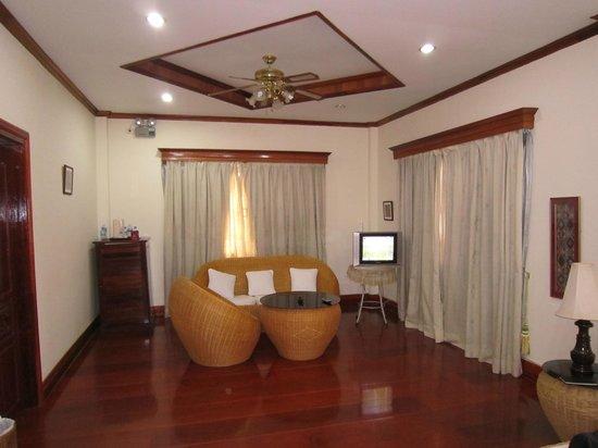 Aroon Residence Vientiane: Room