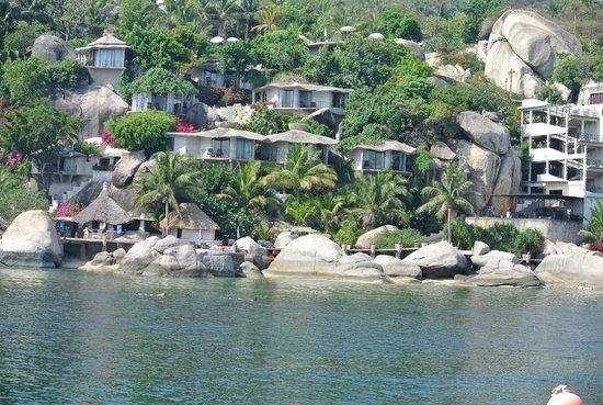 Jamahkiri Resort & Spa: hotel gezien van op zee