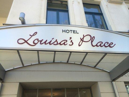 Louisa's Place: The hotel seen from Kurdurstendamm