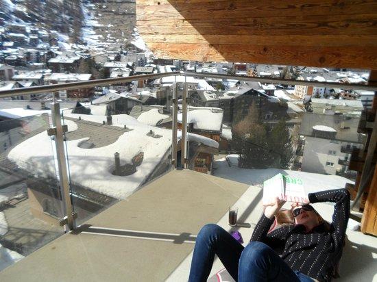 Haus Alpa Zermatt: Balcony sunshine