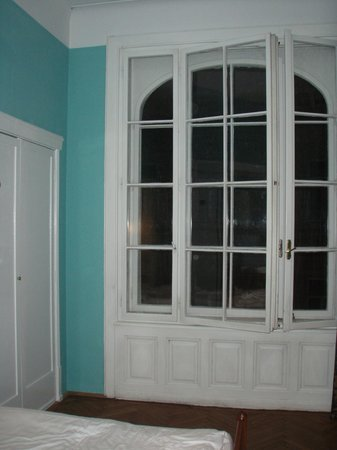 Hotel Papageno: Grosse, schöne Fenster