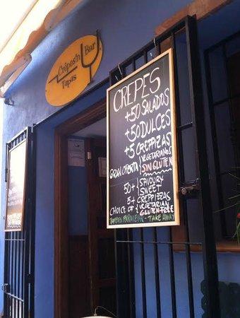 Crepes'n Tapas Bar : Patio dining
