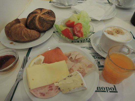 Hotel Excelsior : 種類が多くて美味しい朝食だった