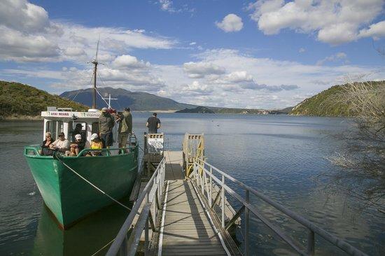 Waimangu Volcanic Valley: The boat