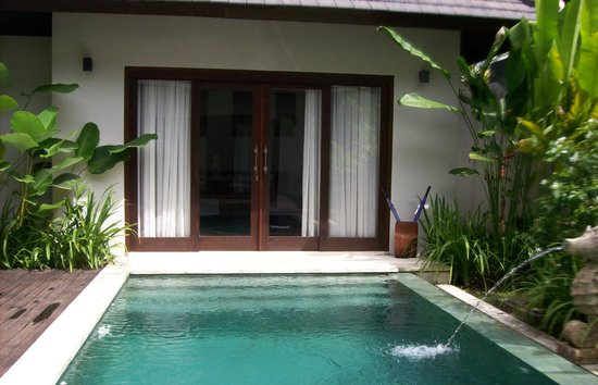 Kebun Villas & Resort: pool at villa