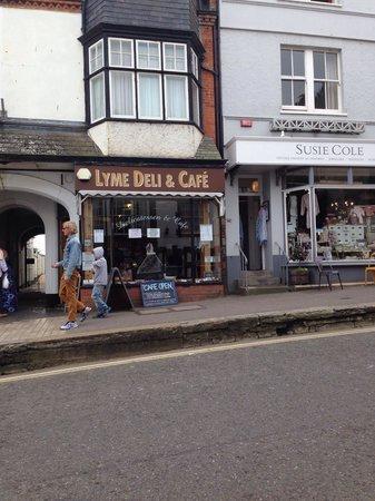 Lyrinda's - Delicatessens in Lyme Regis DT7 3QE