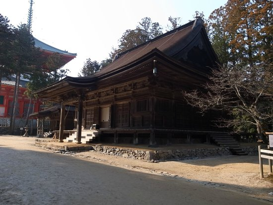 torii gate - Picture of Koyasan Okunoin, Koya-cho - TripAdvisor