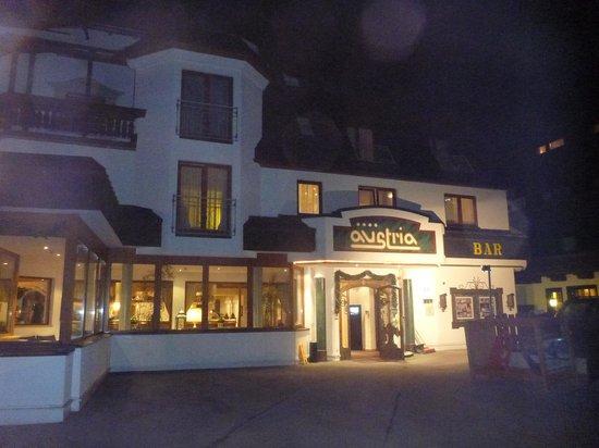Hotel Austria Bellevue: Hotel Austria at Night