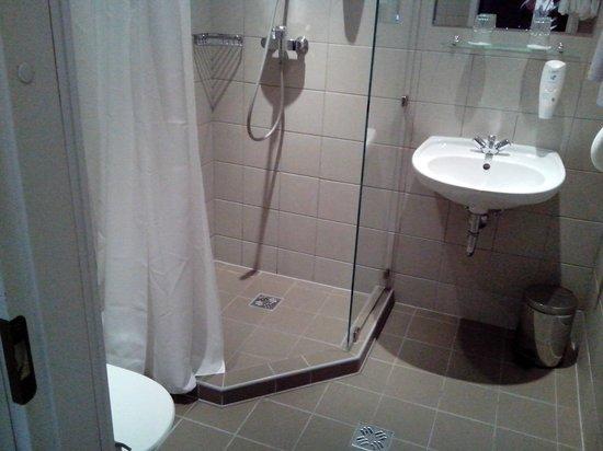 Kreutzwald Hotel Tallinn: ванная