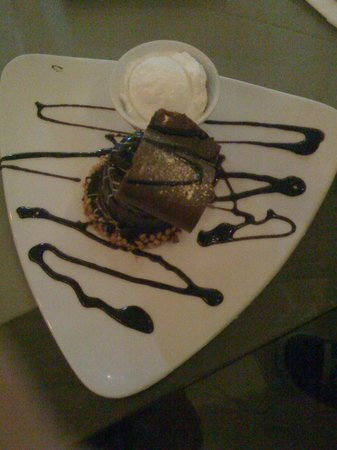 Ajax Hotel : Yummy chocolate cake