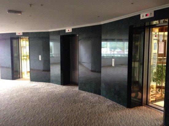 Barut Kemer : Hotel elevator