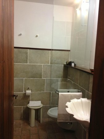 Bosco della Spina: Bathroom