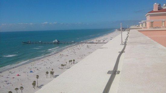 Hyatt Regency Clearwater Beach Resort & Spa: View towards Pier 60
