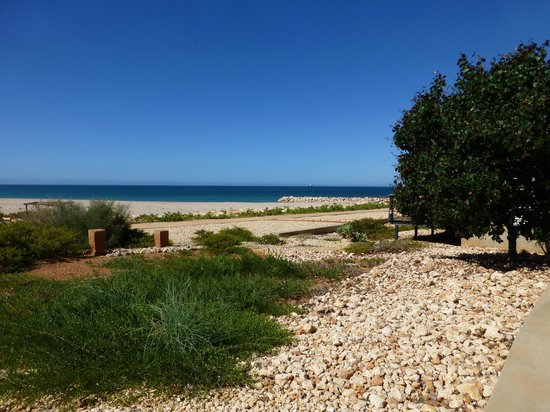 Mantarays Ningaloo Beach Resort: little beach view from our room