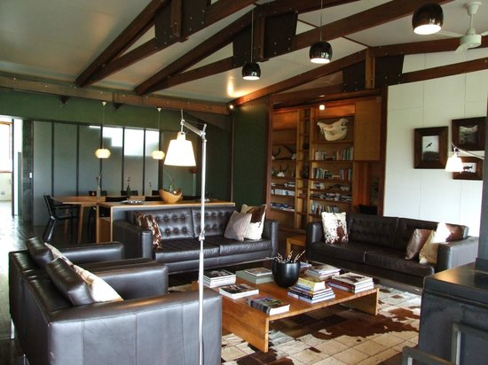 ZuluWaters Game Reserve: The main lodge area