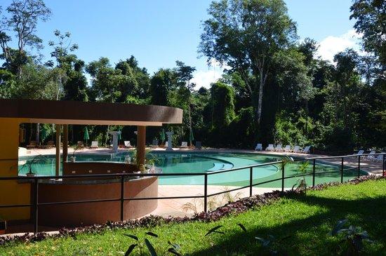 Yvy Hotel de Selva : Muy buena pileta