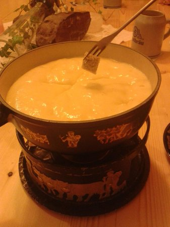 Alt 168 Gaststube: Käse-Fondue