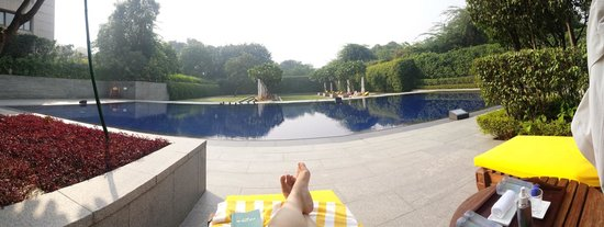 The Oberoi: Outdoor pool to myself!