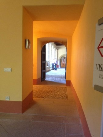 Monasterio de San Jerónimo de Yuste: Entrada al Monasterio de Yuste