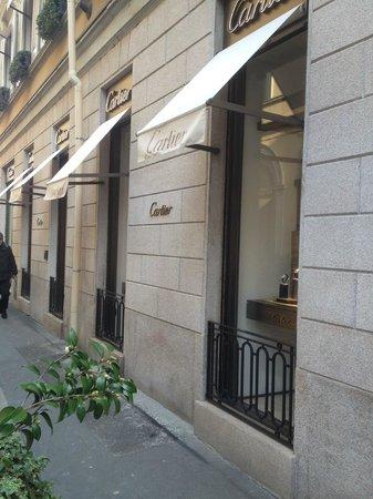 Via Monte Napoleone : Strada