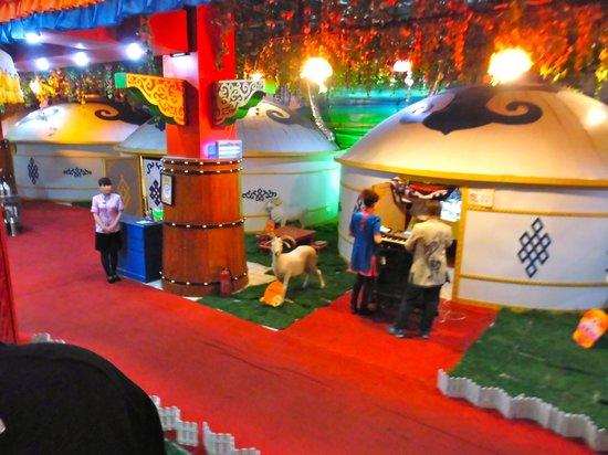 Tongliao China  city photos gallery : At Tongliao traffic light Picture of GuangFa CaoYuan MengGu BuLuo ...