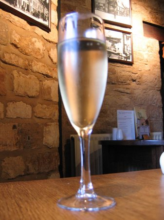 White Hart Royal Hotel : Free glass of champagne