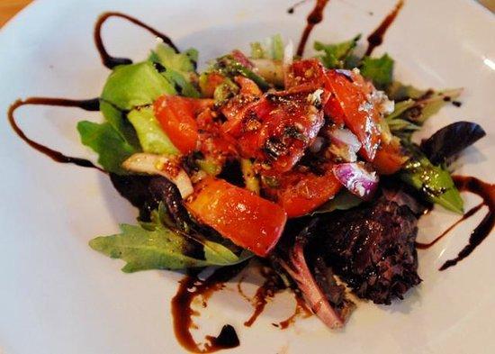 Ports Cafe: Fresh Tomato Salad
