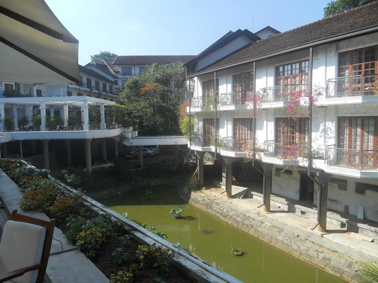Mahaweli Reach Hotel : The hotel