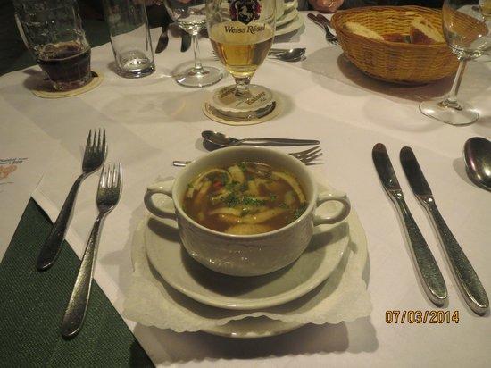 Hotel Gasthof zum Weyßen Rößle zu Schiltach : Süppchen vor dem Hauptgericht
