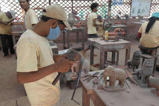 Artisans Angkor: Everybody was really focused on their lessons.