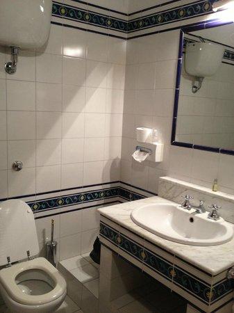 Palazzo Ravizza: bathroom