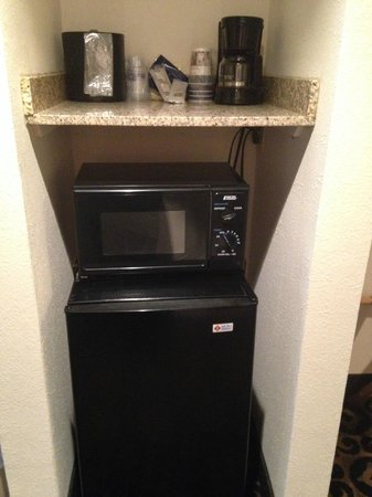Quality Inn & Suites University: Micro-Fridge