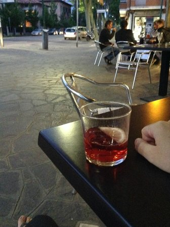Da Cri Cri e Tendina: Campari Spritz in the outside tables