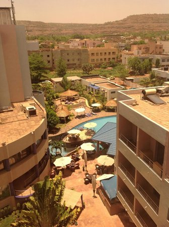 Radisson Blu Hotel, Bamako : view on the pool from the room