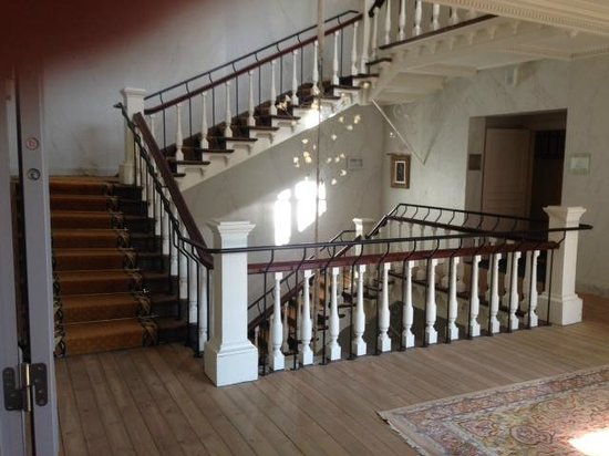 Hotel Dukes' Palace Bruges : Main stair landing