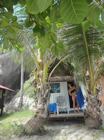 Leela Beach Resort: bungalow