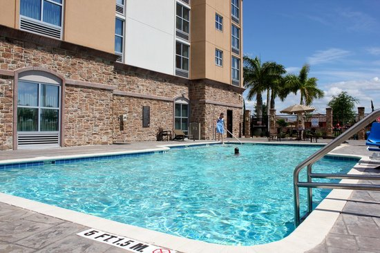 Hyatt Place Fort Myers at The Forum: pool
