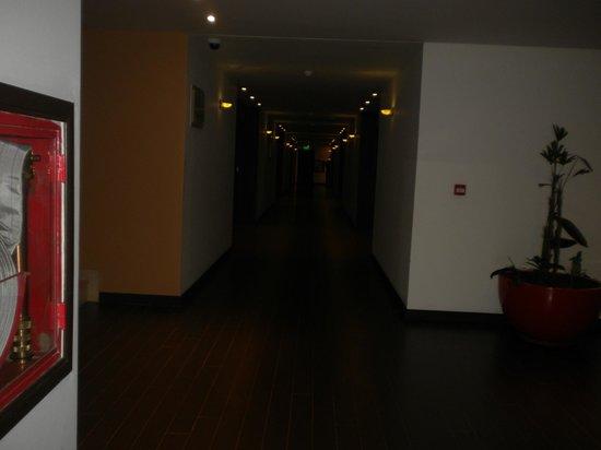Grand Crucero Iguazú Hotel: pasillo que da a las habitaciones en el 4° piso