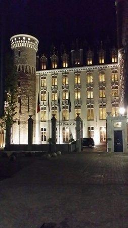 Hotel Dukes' Palace Bruges: L'hôtel de nuit